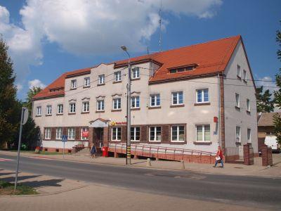 Budynek poczty z zachowanym stylem wczesnego modernizmu niemieckiego
