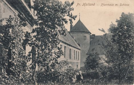 Szkoła łacińska i renesansowa wieża zamku