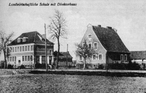 Szkola Rolnicza i dom dyrektora szkoły przy obecnej ul. Westerplatte