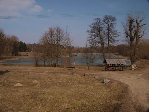 Jeziorko wczesną wiosną