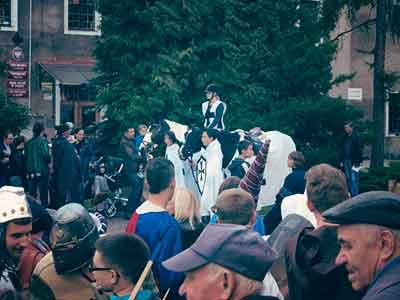 W drugiej połowie sierpnia jarmark na starym mieście, którego współorganizatorem jest Kuźnia Pruska