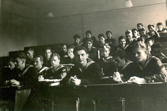 Rok 1952, uczniowie Państwowej Szkoły Morskiej